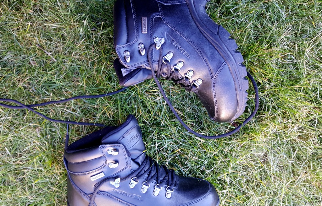 trespass hiking boots review
