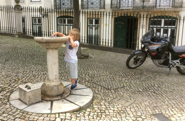 lisbon water fountaun