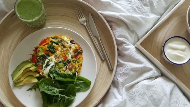 omelette in bed