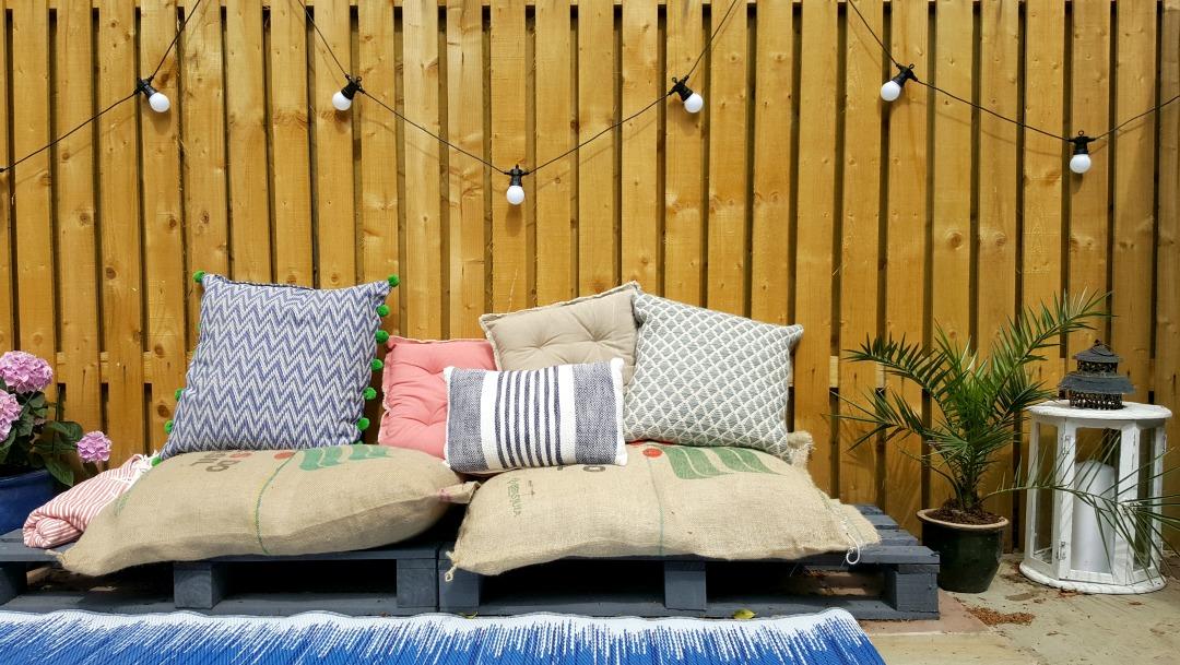 pallet cosy garden area